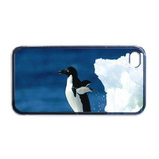 Penguin Apple PLASTIC iPhone 5 Case / Cover Verizon or At&T Phone Great Gift Idea Cell Phones & Accessories