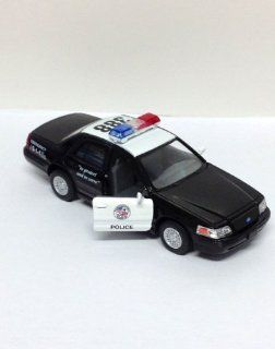 Die Cast Pull Back Action 388 Black Ford Crown Victoria Police Interceptor Car w/ Open Doors Toys & Games