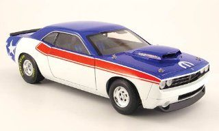 Dodge Challenger 392 Hemi super floor, red/white/blue , 2008, Model Car, Ready made, Highway 61 118 Highway 61 Toys & Games