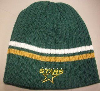 Dallas Stars Cuffless CCM Knit Hat K461Z Old Logo  Sports Fan Beanies  Sports & Outdoors