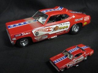 "Hot Wheels Legends ""Mongoose"" Tom McEwenn 1970 Plymouth Duster Funny Car 124th & 164th Scale Set Toys & Games"