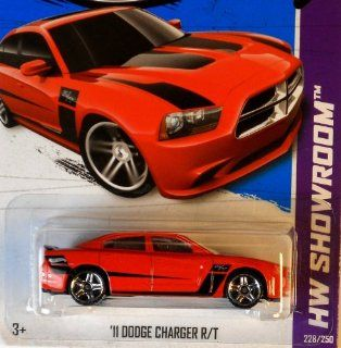 2013 Hot Wheels Hw Showroom   '11 Dodge Charger Toys & Games
