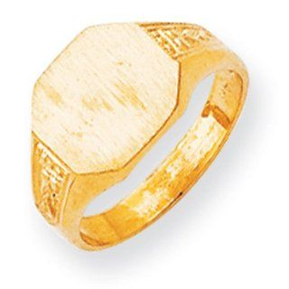 14k Yellow Gold Signet Ring. Gold Weight  4.86g. 9.5mm x 10.9mm face Jewelry