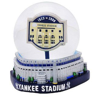 """New York Yankees """"Yankee Stadium Final Season"""" Stadium Snow Globe""  Sports Related Collectible Water Globes  Sports & Outdoors"