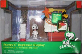Peanuts Snoopy Doghouse Display with Lights and Sounds Toys & Games