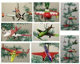 "Disney Planes 6 Piece Holiday Christmas Tree Ornament Set Featuring Turbo Dusty, Ripslinger, Bulldog, Ishani, Rochelle and El Chupacabra Ornaments Ranging from 3"" to 3.5"" Long Toys & Games"