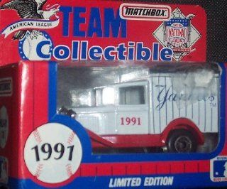 New York Yankees 1991 Matchbox MLB Diecast 164 Scale Ford Model A Delivery Truck White Rose Baseball Collectible  Sports Fan Toy Vehicles  Sports & Outdoors