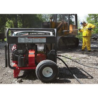 NorthStar Super High Flow Gas Cold Water Pressure Washer — 3500 PSI, 7.0 GPM, Electric Start, Honda Engine, Belt Drive, Model# 1572092  Gas Cold Water Pressure Washers